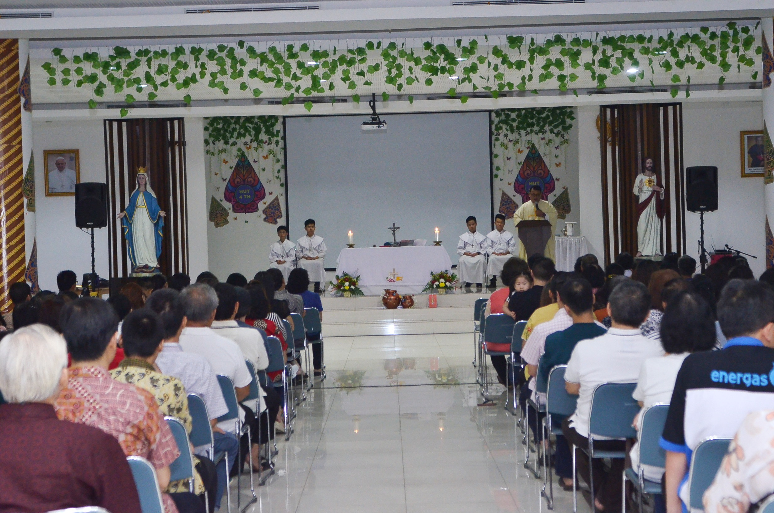 HUT Ke 4 PDPKK SMI Grow To Her In Christ Gereja Santa